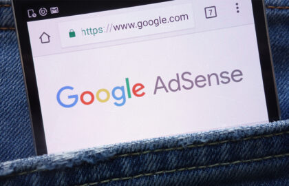how-to-make-money-online-while-traveling-or-from-home-with-google-adsense-solotraveltiger.com
